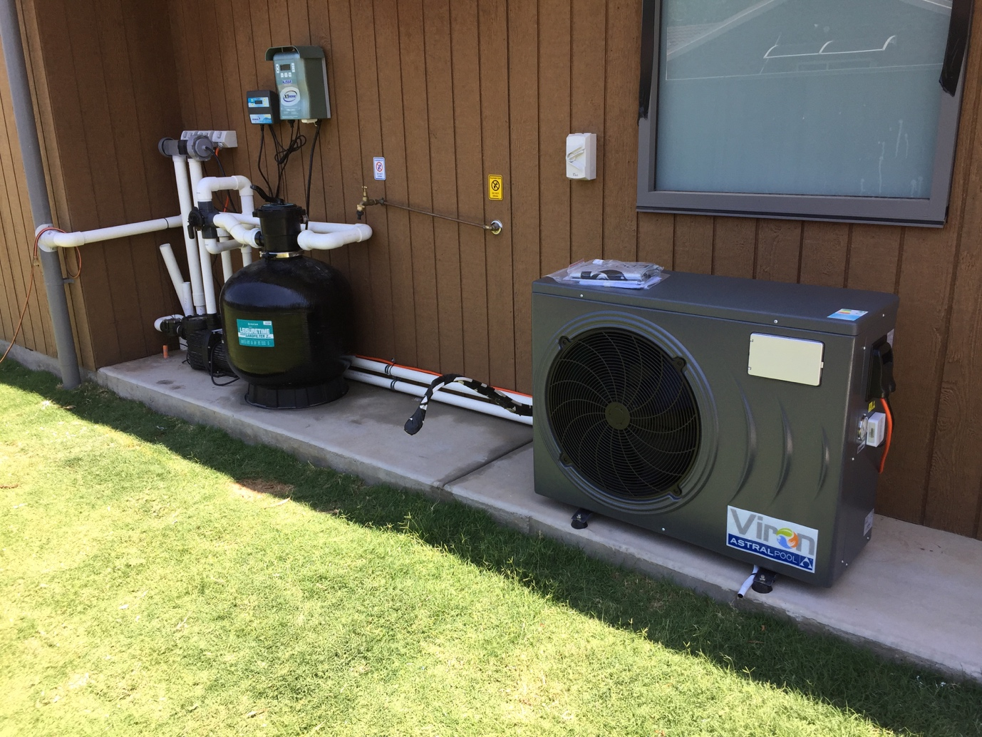 Pool heat pump electric